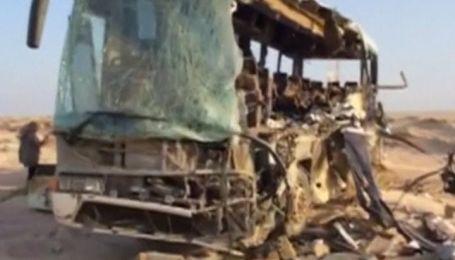 Майже 40 осіб загинули в Єгипті при зіткненні двох автобусів