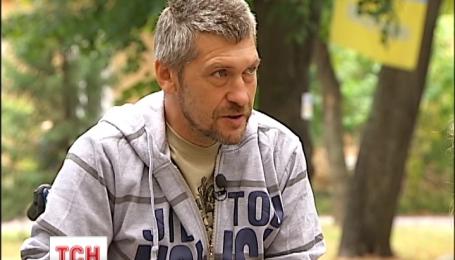 Пораненого військового санітара дивом врятували під Іловайськом