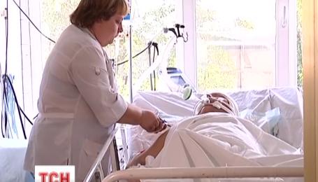 Небайдужі дніпропетровці купили апарат штучного дихання для поранених солдатів