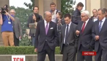 Переговори закордонних міністрів тривали п'ять годин