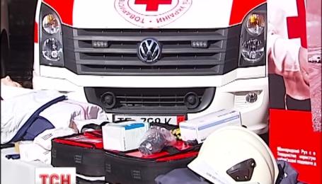 """Гуманітарну допомогу на мільйон євро передав """"Червоний хрест"""" Німеччини"""