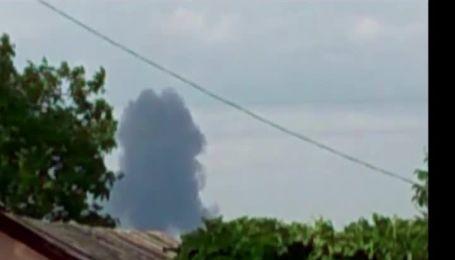Очевидці падіння літака під Торезом публікують відео катастрофи