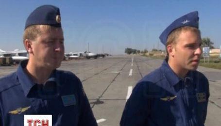 Российские летчики Су-24 продемострировали свои умения журналистам Reuters