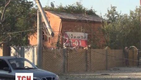 Дома с мирным населением Донецке продолжают обстреливать