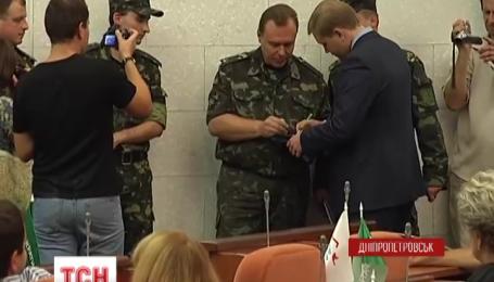 Дніпропетровські депутати ухиляються від армії