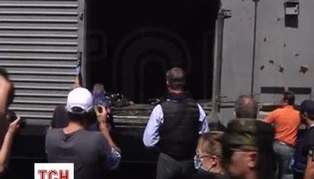Группа голландских судебно-медицинских экспертов осмотрела поезд с телами погибших