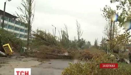 Один человек погиб и 6 получили ранения из-за вчерашнего урагана