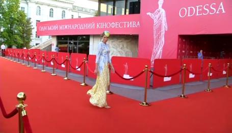 Церемония закрытия Одесского кинофестиваля прошла скромно, но не без политической провокации