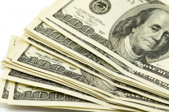 Долар і євро після вихідних здорожчають: курси валют Нацбанку на 30 березня