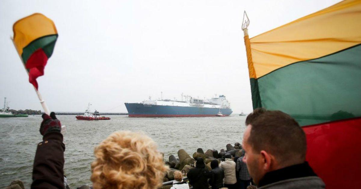 До Литви прибуває перший танкер із газом із Норвегії @ yaplakal