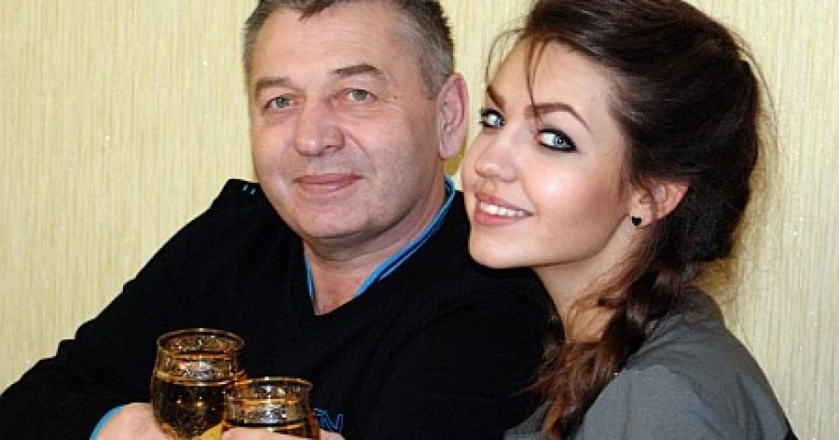 Отец радикального депутата одобрительно оценивает антиукраинские материалы в соцсети @ Таблоїд