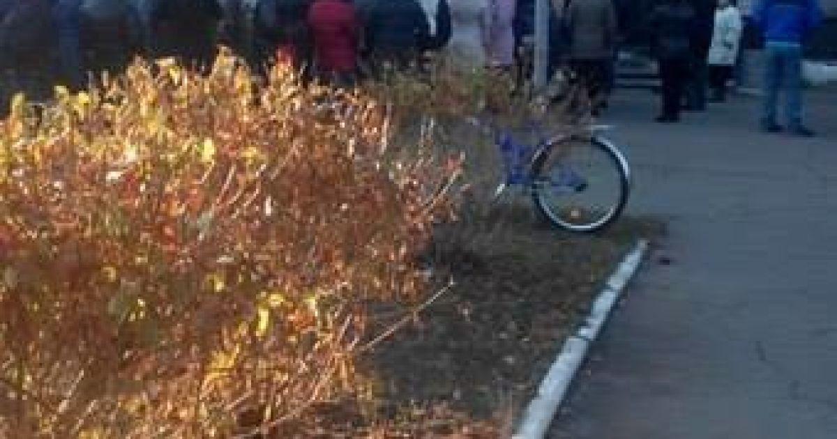 Жителі Макіївки перекрили дорогу і вимагають безкоштовних харчів @ cultkiev.com