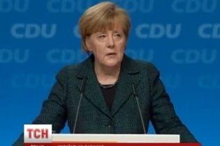 Меркель заявила, что Европа не позволит Москве себя расколоть