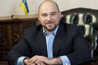 Кандидат зі скандального округу в Києві втік з країни після виборів