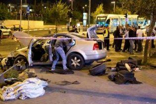 В Израиле араб въехал в толпу людей и убил ребенка