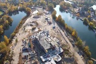"""У Мережу """"злили"""" відео помпезного будівництва дачі Льовочкіних у Конча-Заспі"""
