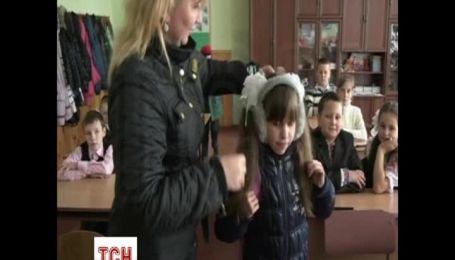 """Сім'я біженців зі Сході розповіла про розкол родини і реалії життя в """"ДНР"""""""