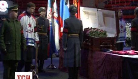 У Москві попрощалися з відомим хокеїстом і тренером Віктором Тихоновим