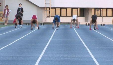 18-летний японец установил рекорд в гонки на четвереньках