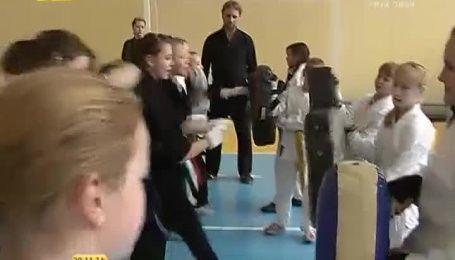 На Чернігівщині священик навчає дітей карате