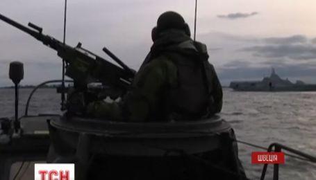 Швеция ищет уже две подводные лодки