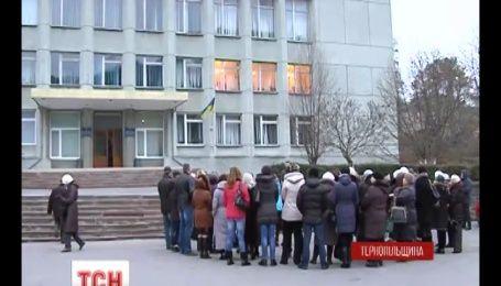 На Тернопольщине родители требуют увольнения одного из педагогов детсада