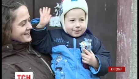 В Житомире спасли 4-летнего мальчика, который едва не упал с 3 этажа
