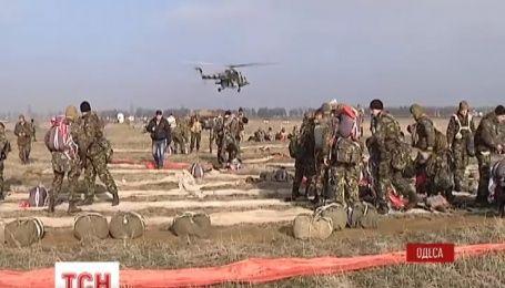 Курсанти Одеської військової академії підкорюють небо