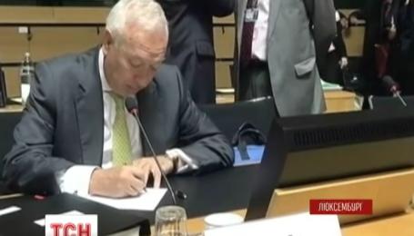 Совет ЕС не собирается смягчать санкции против России