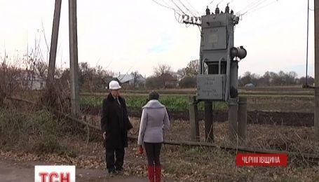 На Черниговщине целые деревни сутками сидят без электроэнергии