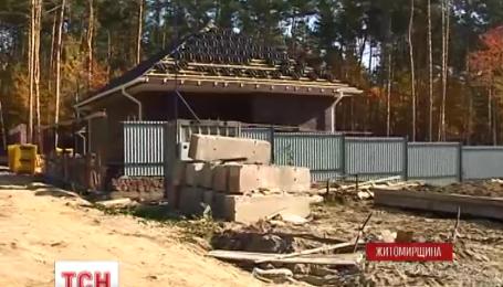 Під Житомиром 600 гектарів лісу роздали людям під садівництво