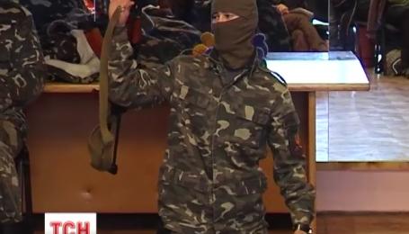 Львівські дівчата вчаться воювати