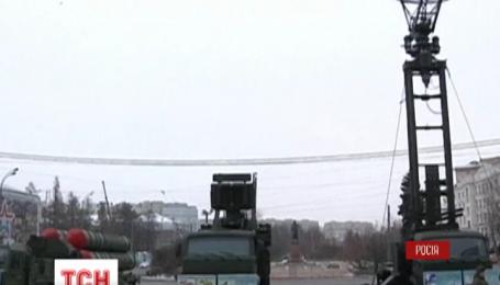 В центре Москвы развернули ракетный комплекс С-300