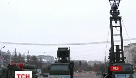 В центре Москвы установили зенитно-ракетный комплекс С-400