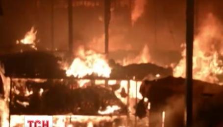 В Черновцах утром горел местный рынок в центре города