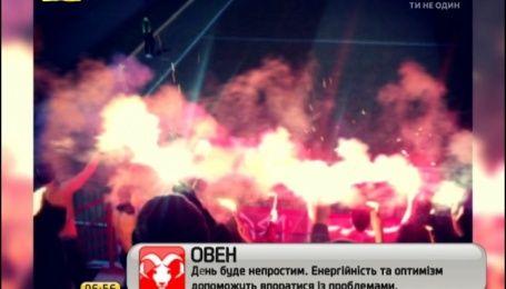 Болельщики пожарили шашлык на футбольной трибуне