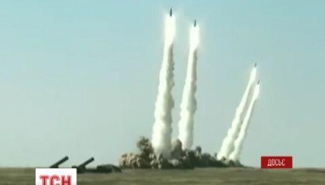 На кордоні з Донецькою областю Кремль розмістив ракетно-тактичні комплекси Іскандер