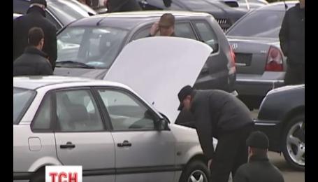 Рынок столицы забит автомобилями премиум-класса с Востока