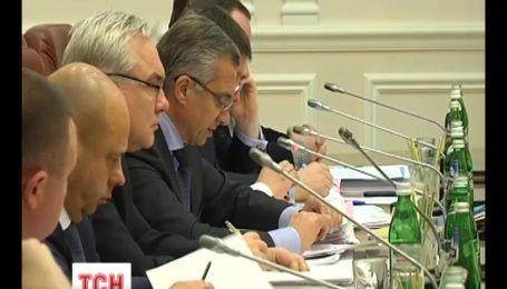 """Томенко надеется, что в будущем правительстве не будет """"Facebook-министров"""""""
