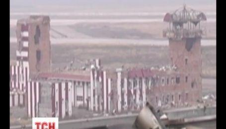 Горячей точкой на карте АТО остается Донецкий аэропорт