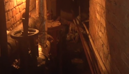 Камера программы «Деньги» спасла один подъезд от коммунального ада