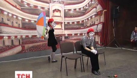 На станції метро «Театральна» замість Леніна з'явився зал театру в 3D
