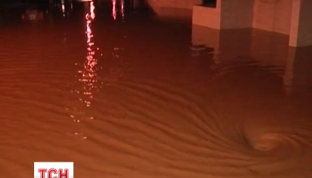 1 человек погиб и 3 пропали без вести в результате наводнения на юге Франции
