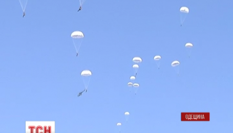 Курсанты Одесской военной академии покоряют небо