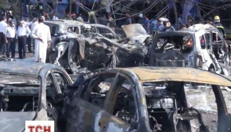 От взрыва в Багдаде сразу двух машин погибли 15 человек