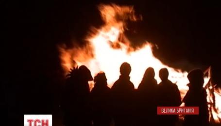 Сегодня британцы сжигают чучела Гая Фокса