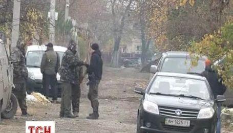 Журналисты добрались в поселок Пески и показали жизнь военных и мирных жителей
