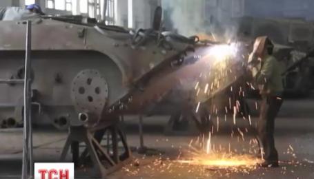 Украинские предприятия готовят 100 единиц новой техники для армии