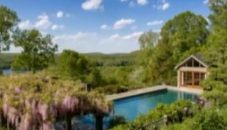 Брюс Уиллис купил особняк за 9 миллионов долларов