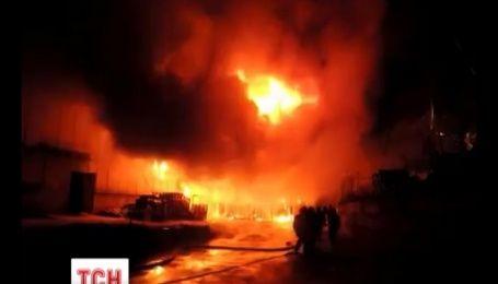 Большое киевской пожар ликвидировали за три часа